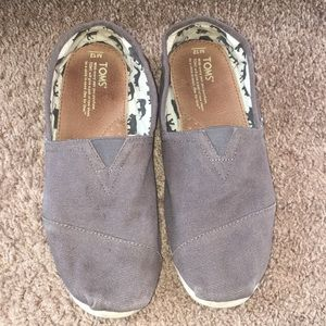 Men's TOMS shoes